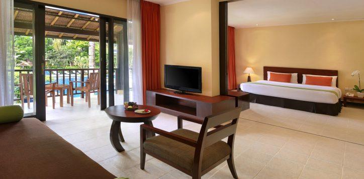 family-suites-king-children-bunk-beds