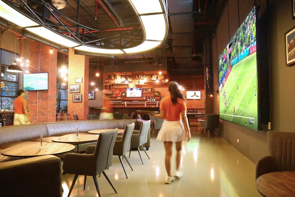 Touchdown-Sports-Bar-in-Suvarnabhumi