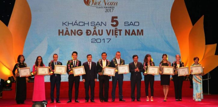 pullman-saigon-centre-wins-4th-place-in-top-10-five-star-hotels-in-vietnam-tourism-awards-2017