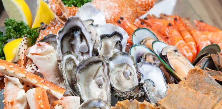 extravagant-seafood-buffet
