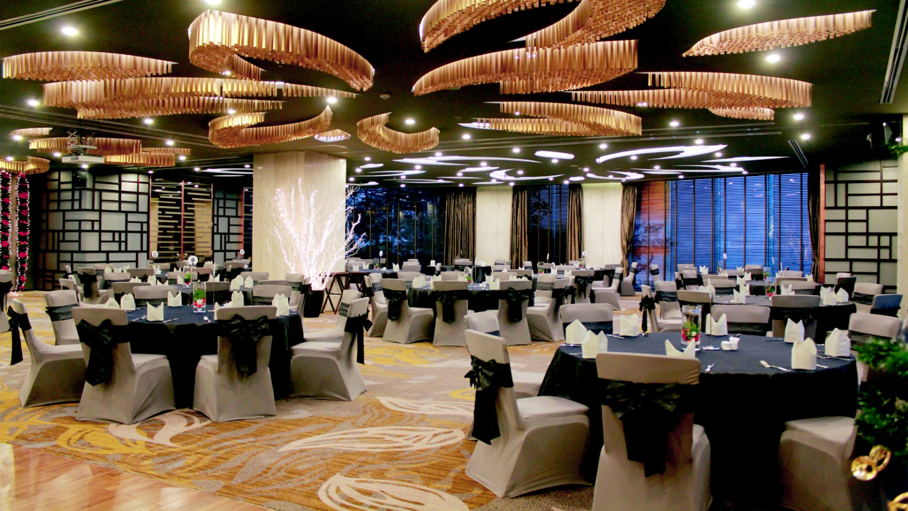 ha-long-ball-room