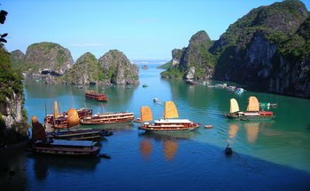 350px-cruises_in_halong_bay