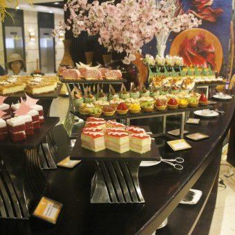 leisurely-tet-buffet