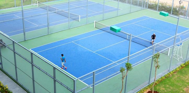 3-healthandwellbeing-tenniscourts