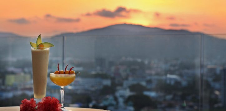 cocktails-sunset-flowers