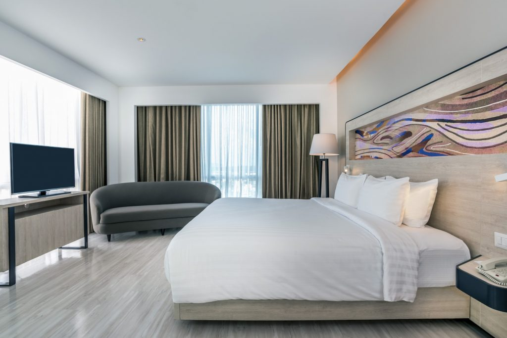luxurious hotel suites in phuket