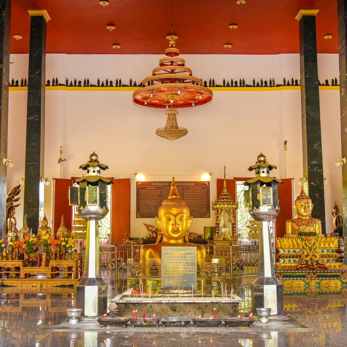 Wat Phra Thong inside