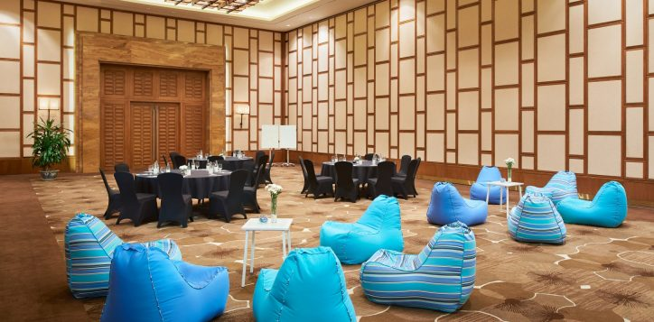 meeting-room-wide-resize-