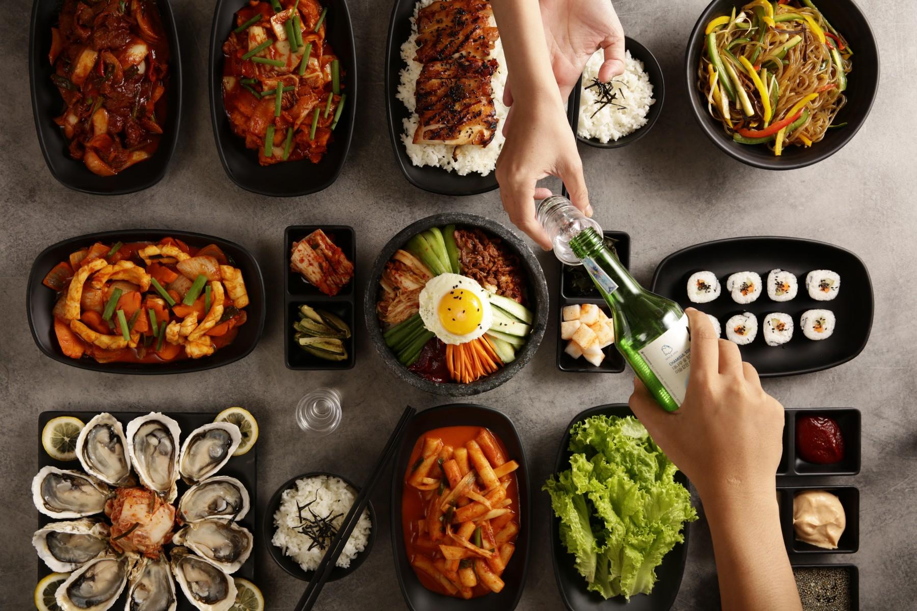 Tiệc-tự-chọn-ẩm-thực-quốc-tế-International-Buffet-Best-Buffet-in-Danang-Rượu-Soju-Cơm-trộn-Hàn-Quốc-Kimchi-Kimbap-Sò-điệp-Tokbokki-Photography-Restaurant-Epice-Danang-Restaurant