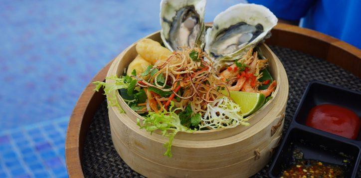 gio-hai-san-seafood-basket-best-buffet-in-danang-sa-lat-viet-nam-vietnamese-salat-restaurant-azure-danang-restaurant-beach-in-vietnam