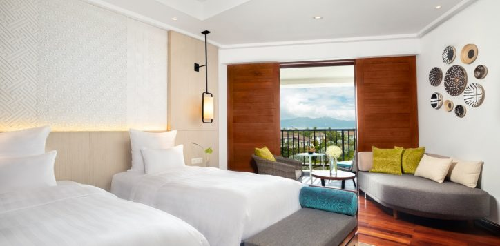 deluxebayview-twin_bed-and-view_pullman-danang-beach-resort_5-star-hotel