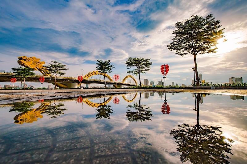 daragon-bridge-on-an-opening-day-cầu-rồng-đà-nẵng-Danang-Discovery-4-famous-bridge-in-danang-Restaurant-near-me-dragon-bridge-history-a-new-iconic-image-of-danang