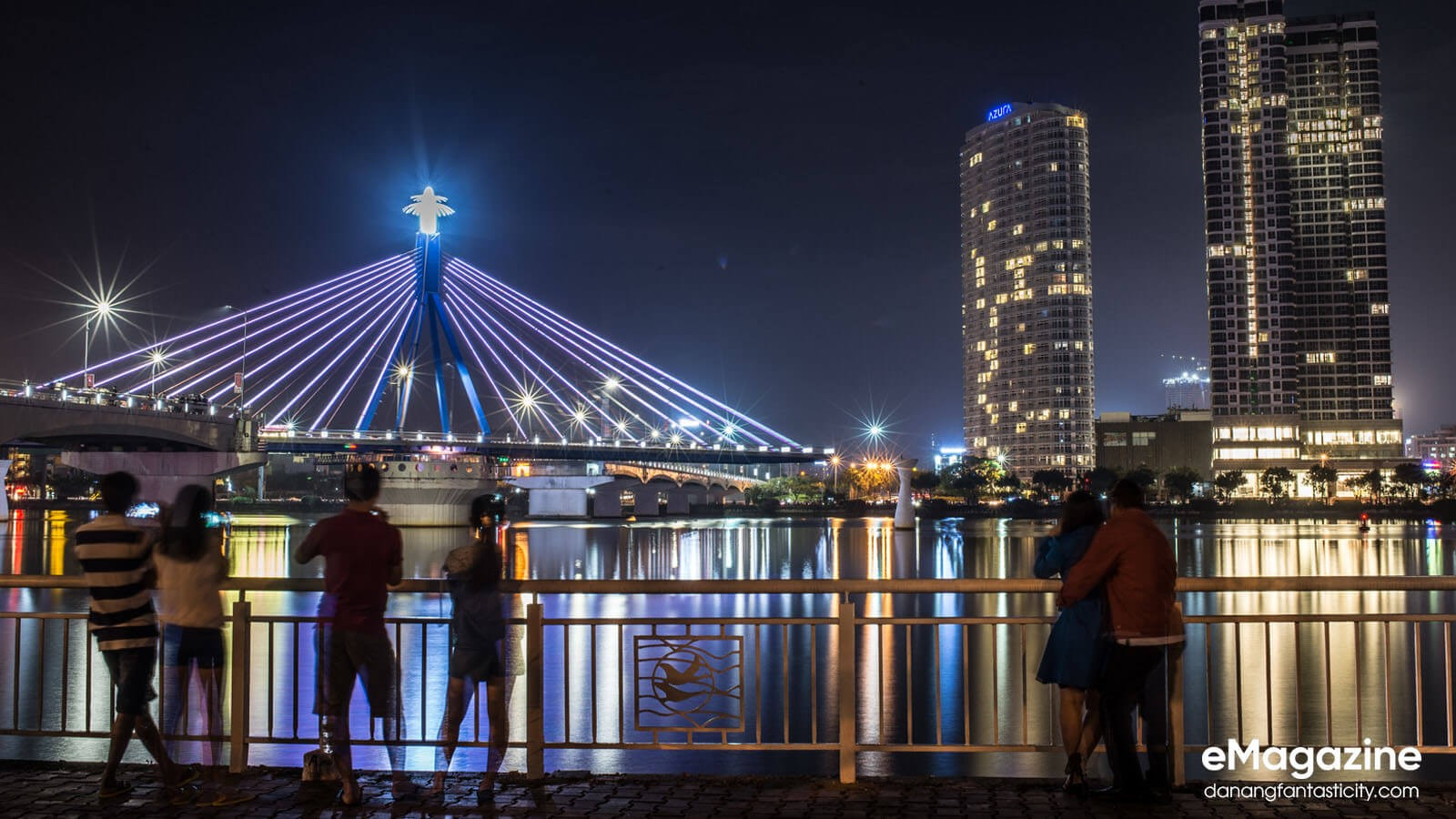 The dazzling beauty of Han River Bridge under city lights-vẻ đẹp của cầu sông Hàn vào ban đêm-Han River Bridge - DN residence's pride