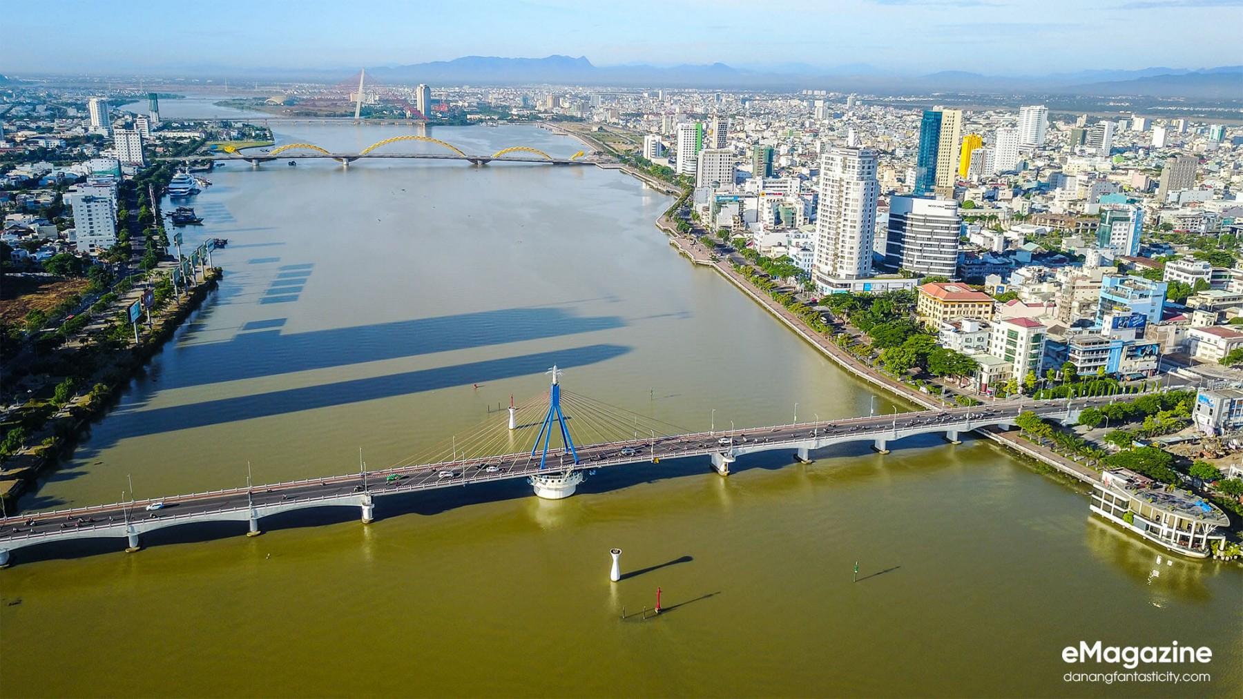 The-dazzling-beauty-of-Han-River-Bridge-under-city-lights-vẻ-đẹp-của-cầu-sông-Hàn-vào-ban-đêm-Han-River-Bridge-DN-residences-pride-danang-discovery