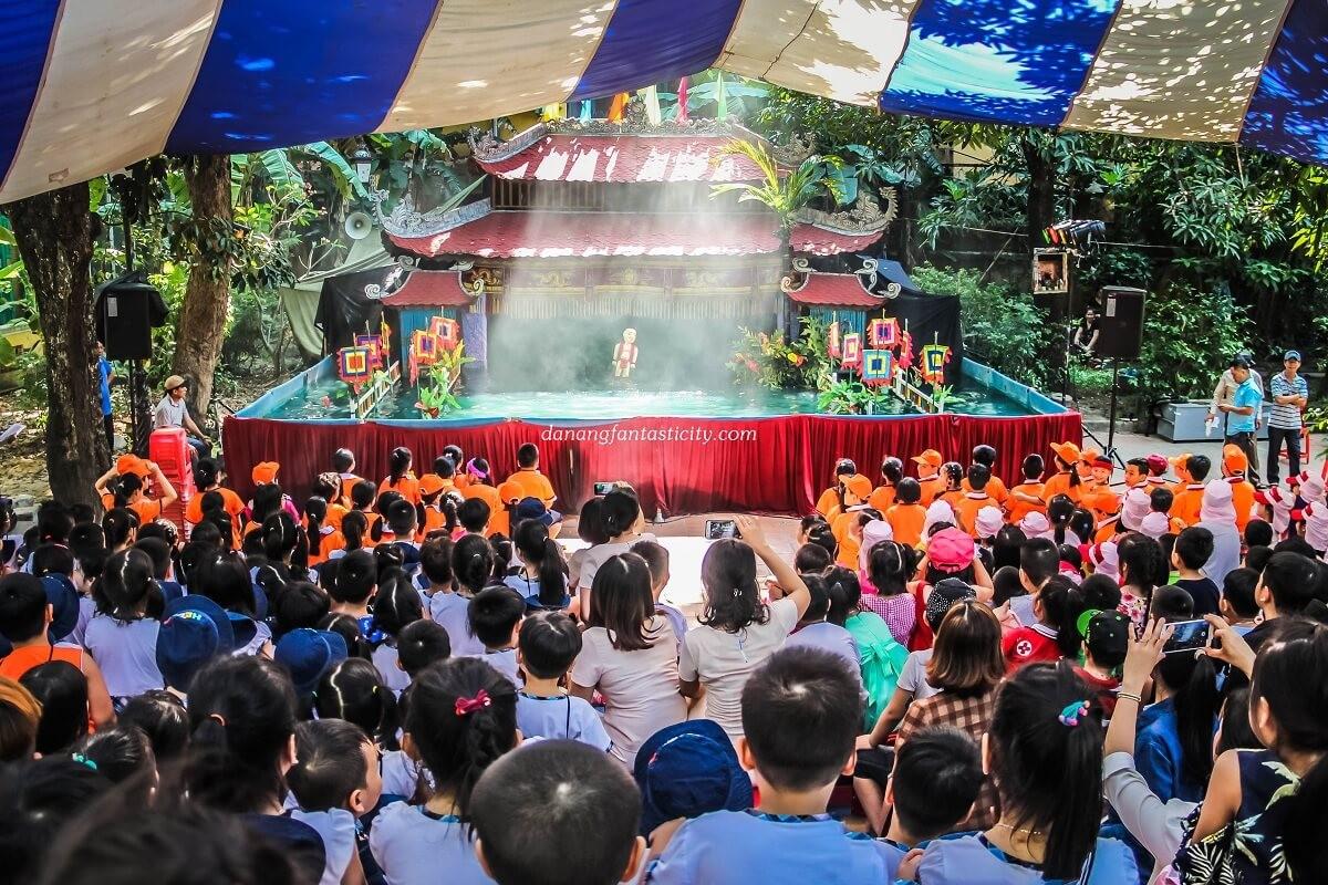 Chương-trình-múa-rối-nước-Hội-an-Hoian-Water-Puppet-Show-Da-Nang-festival-Pullman-Danang-Biểu-diễn-nghệ-thuật-ở-Đà-Nẵng-Restaurant-near-me-Get-A-Chance-To-Discover-Cultural-shows-in-Danang-and-Hoian