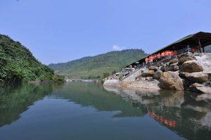 danang-streams-and-lakes