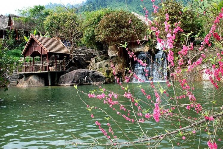 suoi-hoa-danang-streams-and-lakes