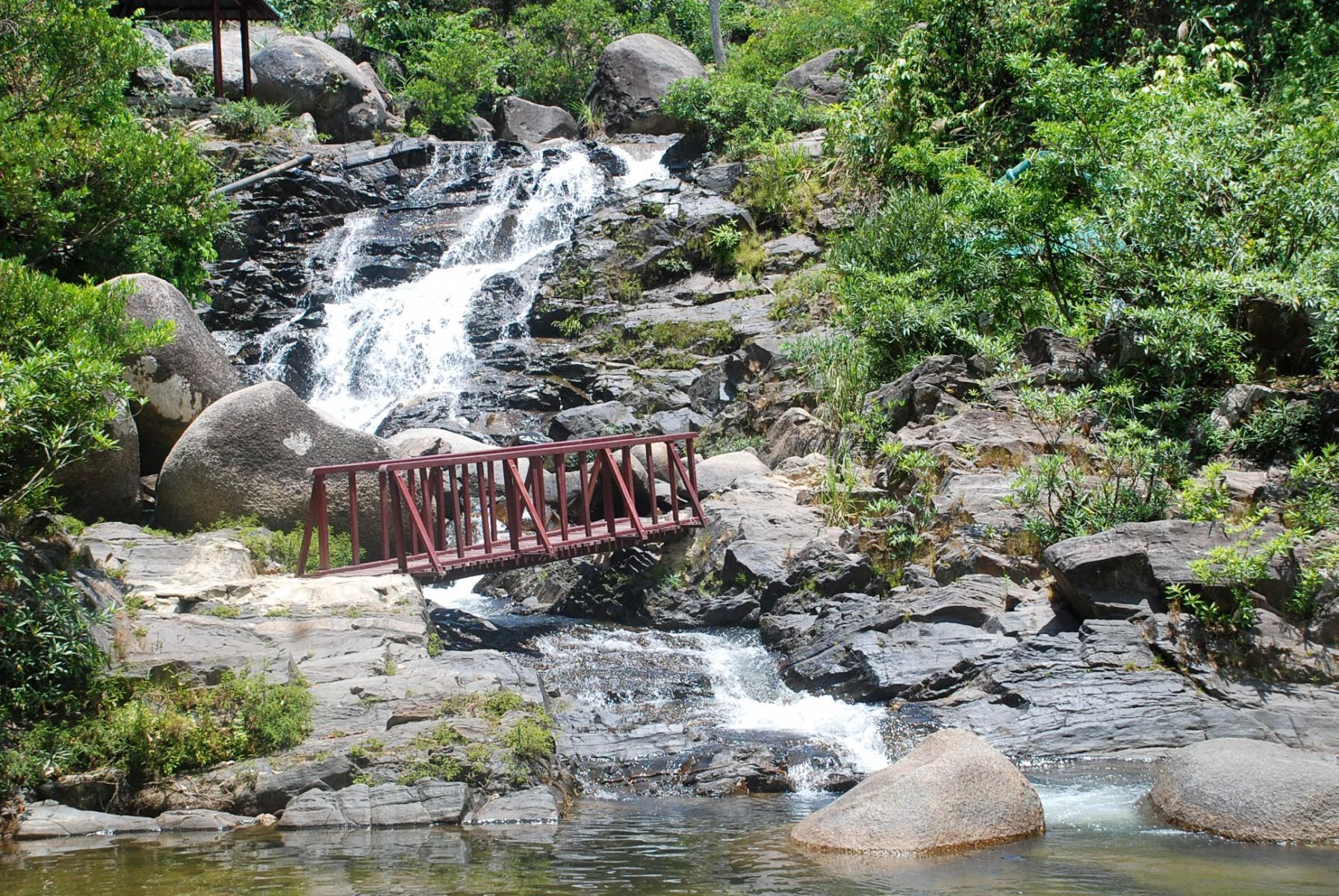 ngam-doi-danang-streams-and-lakes