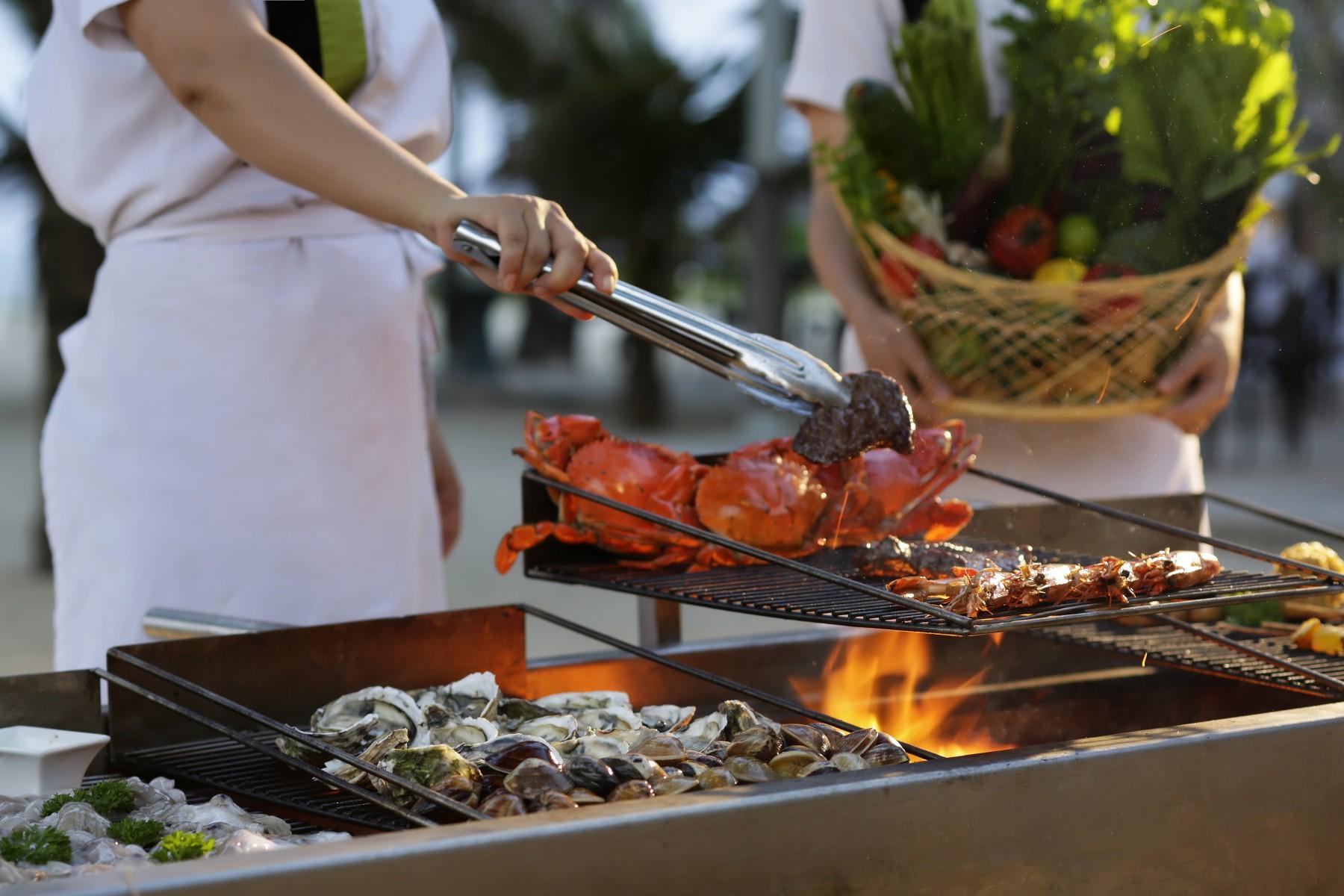 Tiệc Buffet Hải sản và Thịt nướng