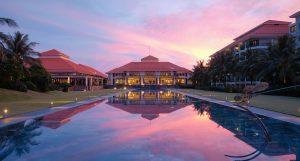 Full-size-Sunset_Pullman-Danang-Beach-Resort_-5-Star-Hotels_Accor-Hotels