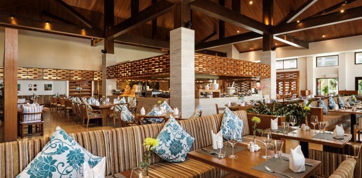dining-at-epice-restaurant