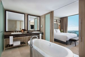 Sofitel-Sydney-Darling-Harbour-Hotel-Prestige-Suite-Darling-Harbour-View-Bathroom