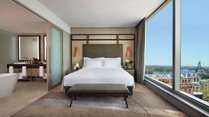 Sofitel-Sydney-Darling-Harbour-Hotel-Prestige-Suite-Darling-Harbour-View-King-Bed