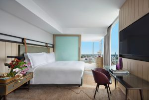 Sofitel-Sydney-Darling-Harbour-Hotel-Club-Millesime-Luxury-Corner-Club-Millesime-King-Bed