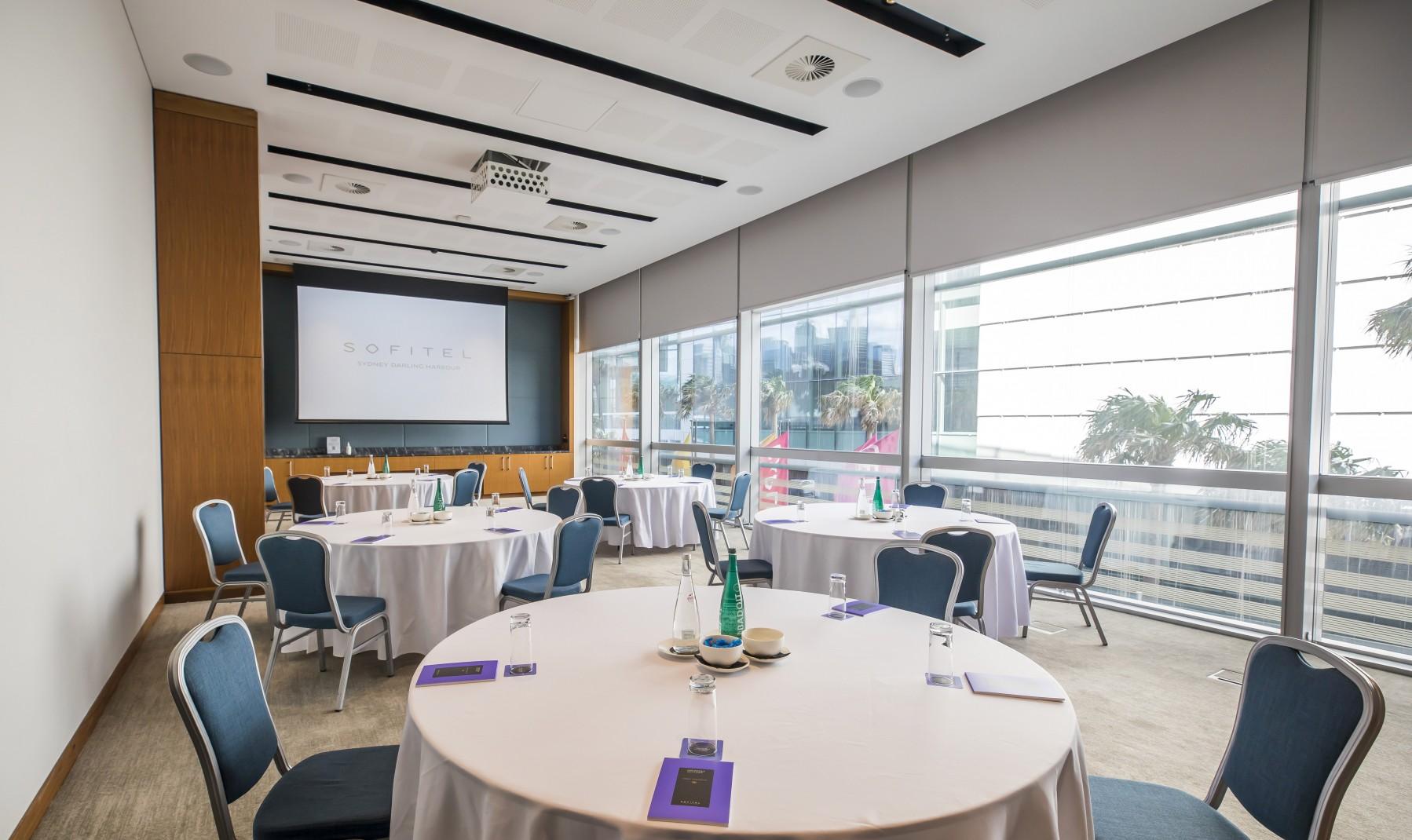 Sofitel-Sydney-Darling-Harbour-Murphy-Room-2c.jpg