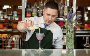Van Gogh exhibition inspired cocktail in Champagne bar