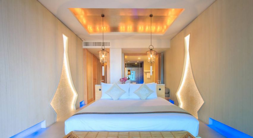 executive-room-with-1-king-size-bed
