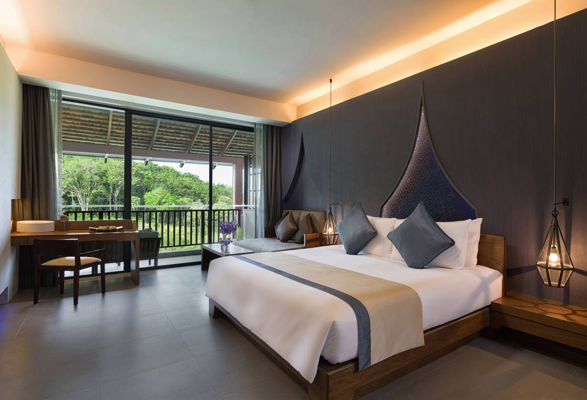 rooms and suites at avista hideaway phuket