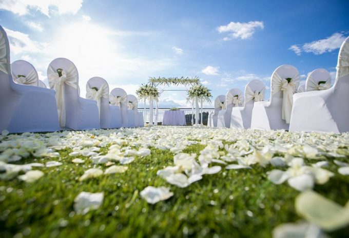 wedding-venue-putting-green