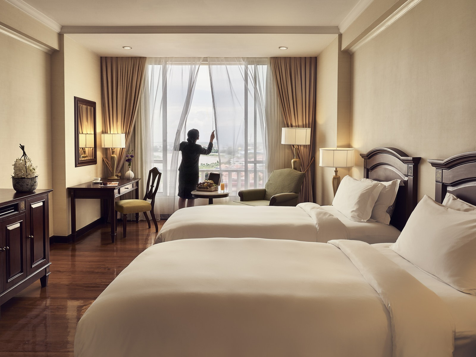 best hotel phnom penh