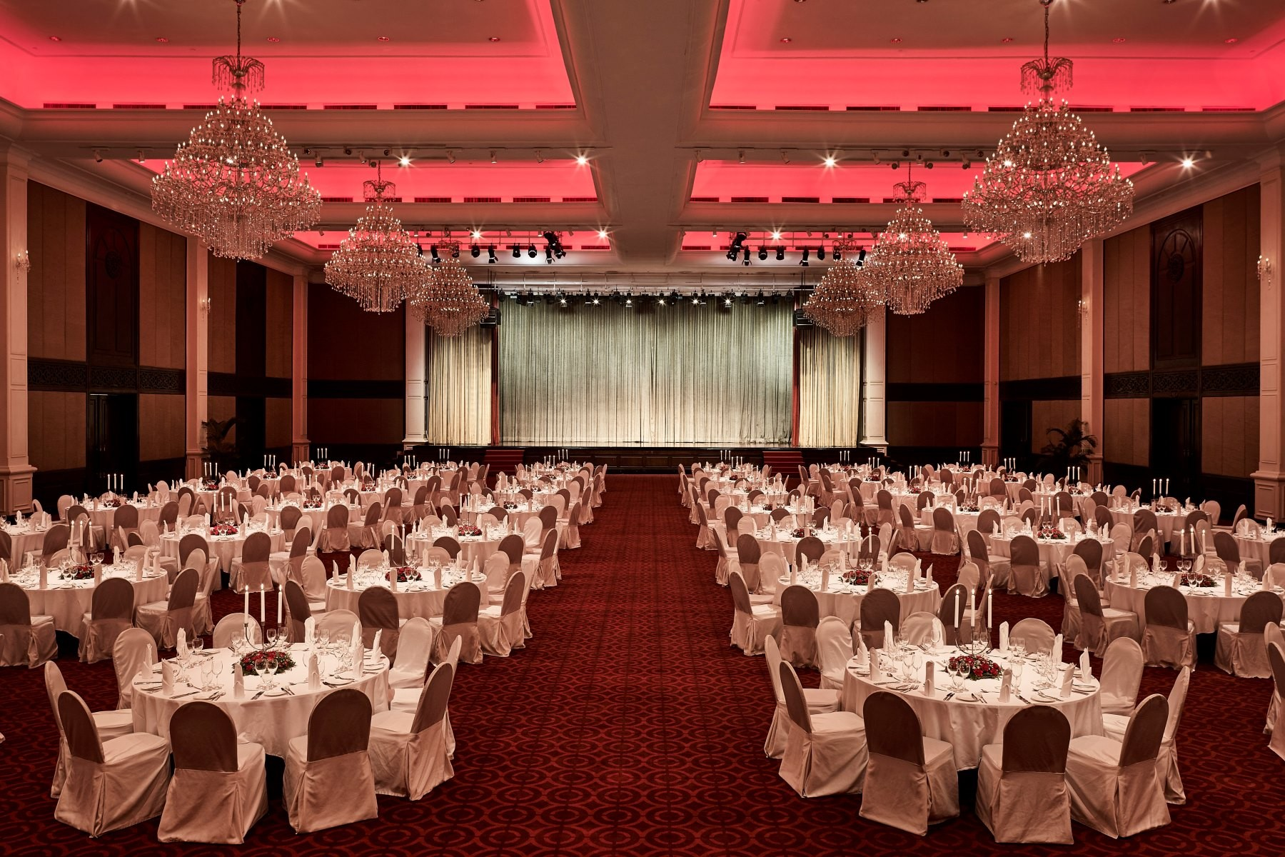 sofitel-phnompenh-phokeethra-events-ballroom.jpg