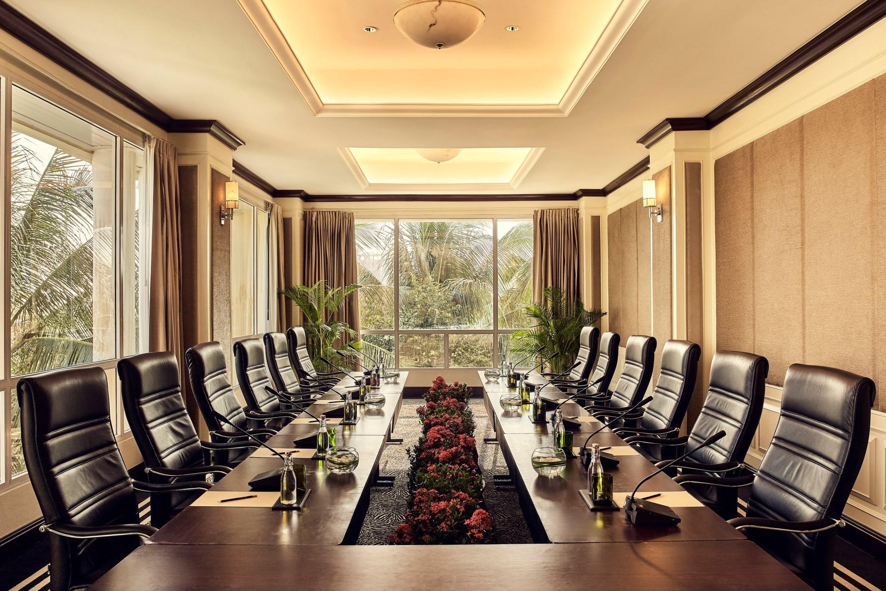 sofitel-phnompenh-phokeethra-meetings-boardroom.jpg