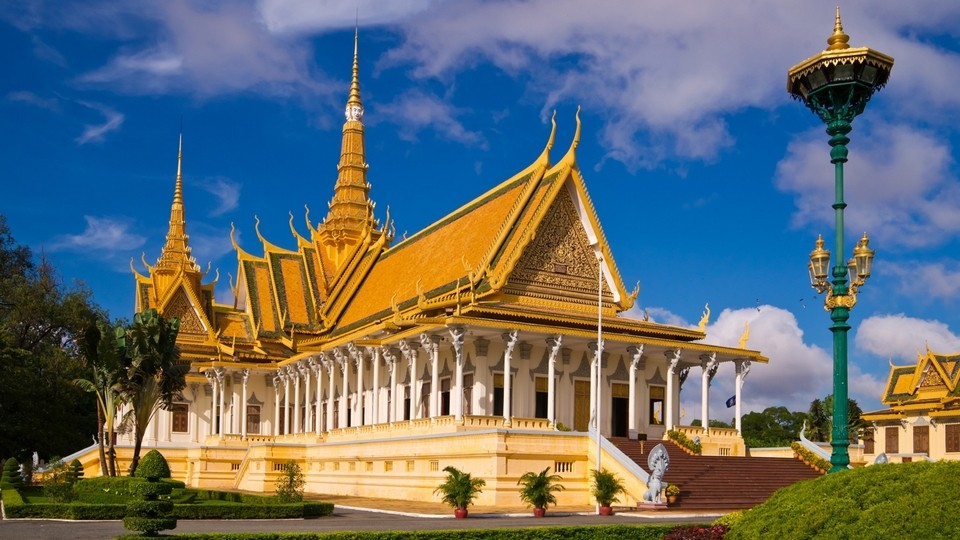 where-to-stay-in-phnom-penh