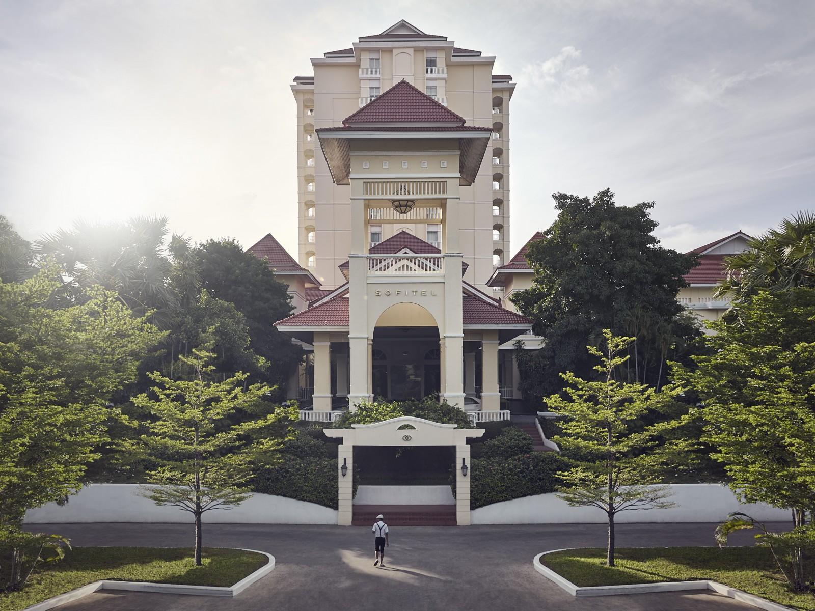 5 star hotel phnom penh