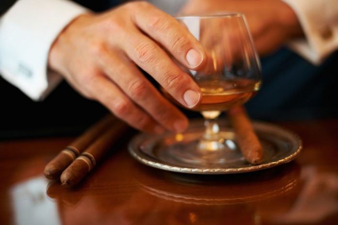 premium-cigar-pairing-with-blended-scotch-whiskey