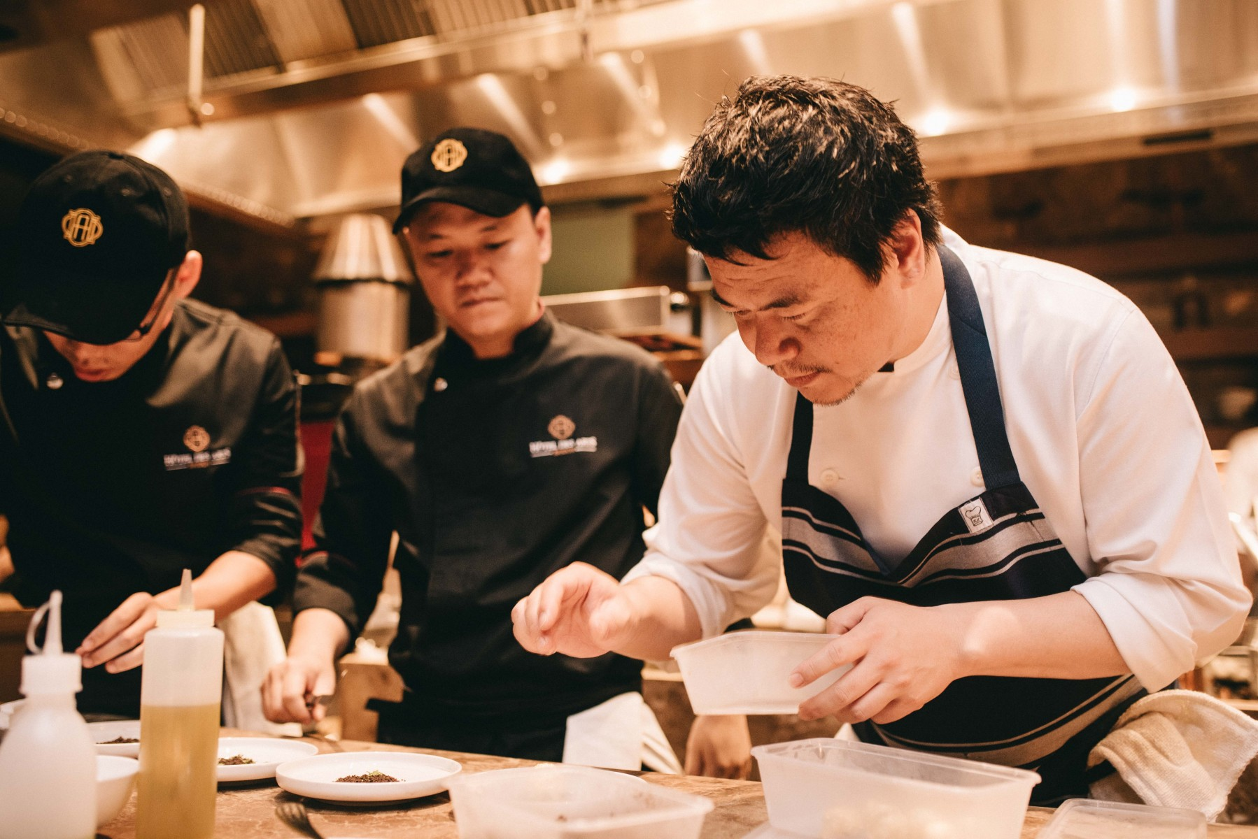 dine-with-celebrity-star-chef-yuichi-kamimura-right-above-saigon