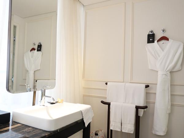 checking-in-hotel-des-arts-saigon-mgallery-in-saigon-ho-chi-minh-city