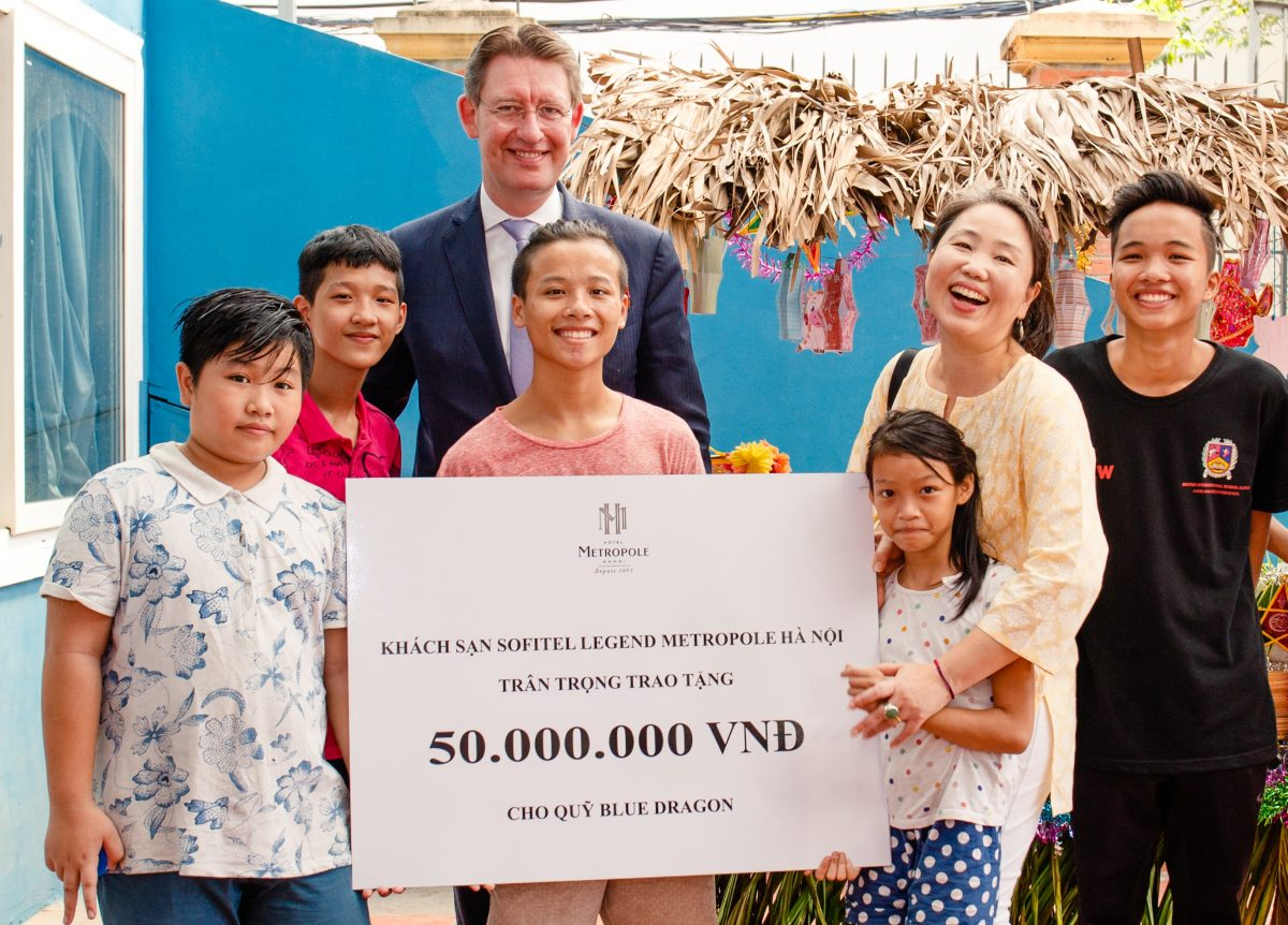 metropole-hanoi-brings-happiness-to-underprivileged-children