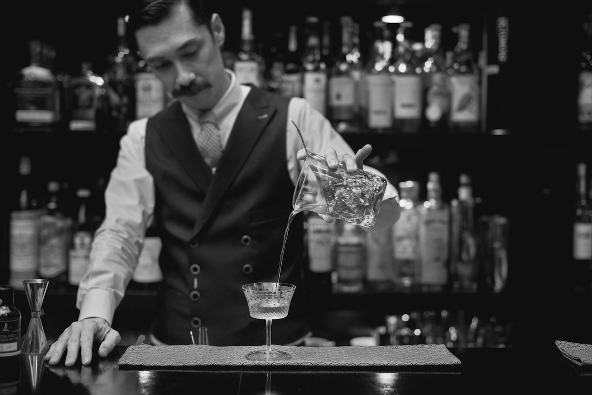 metropole-hanoi-welcomes-guest-mixologist-rogerio