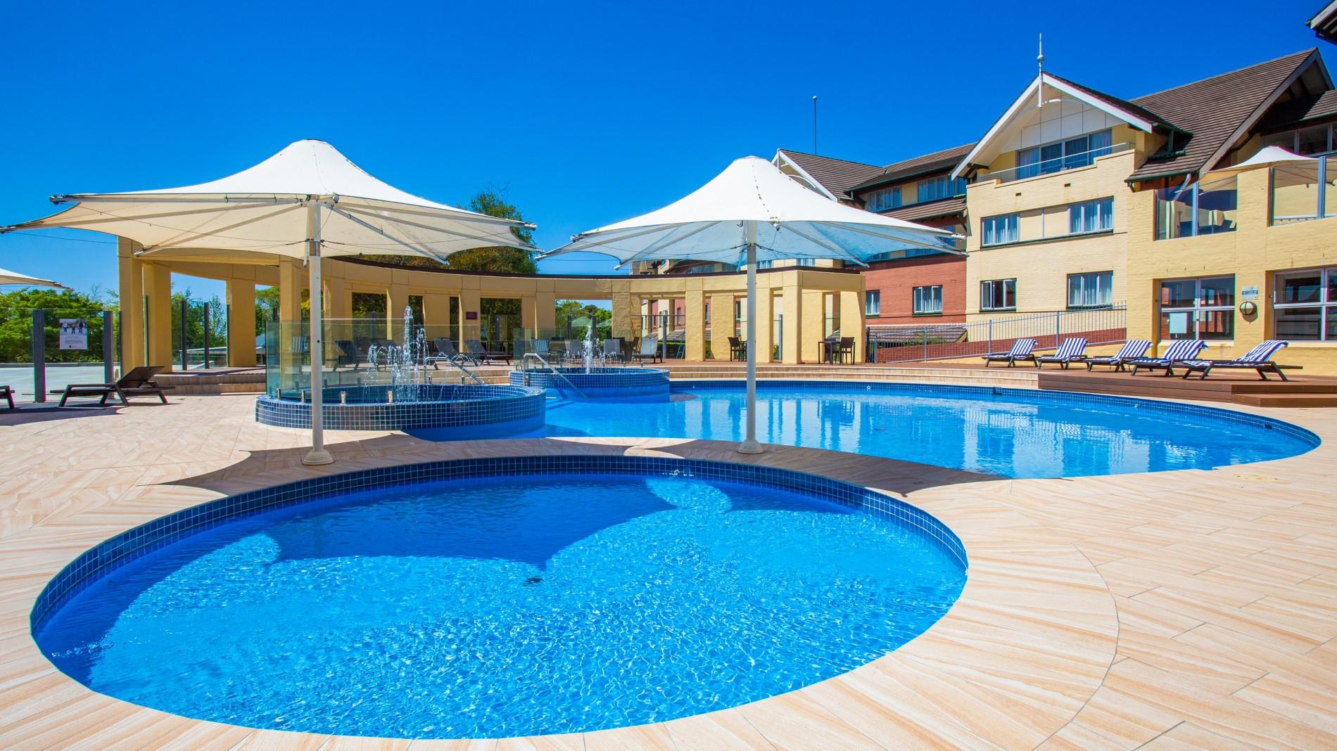 hero-outdoor-pool.jpg