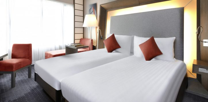 6-roomssuites_executive_twin1