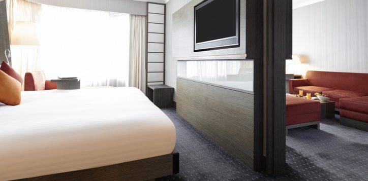 7-roomssuites_suite1